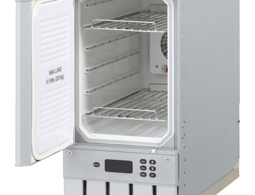 Refrigerators / Freezers / Chillers